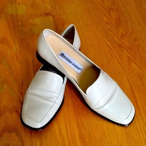 Women's size 6 flats by Eitenne Aigner